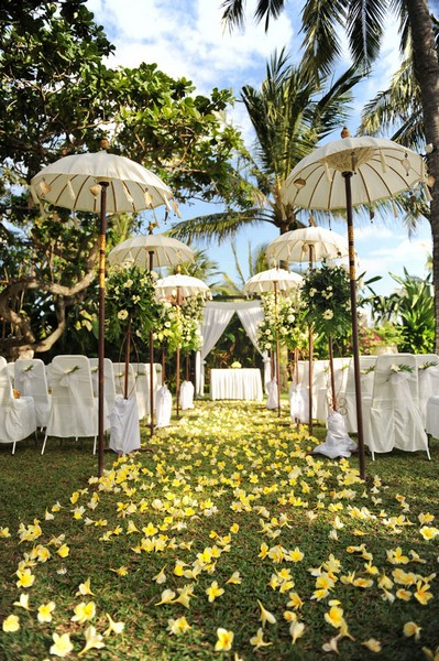 Ceremony bali weddings by natalie for Bali wedding decoration hire